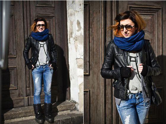 Bershka Jacket, Diesel T Shirt, Pepe Jeans Blue Jeans, Zara Snow Boots, River Island Gloves