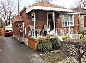 EAST YORK BUNGALOW $795,513 - QUIET STREET