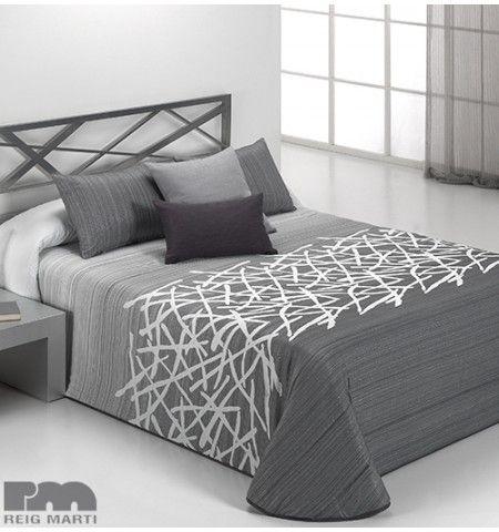 comment faire un couvre lit en satin serviette de plage. Black Bedroom Furniture Sets. Home Design Ideas
