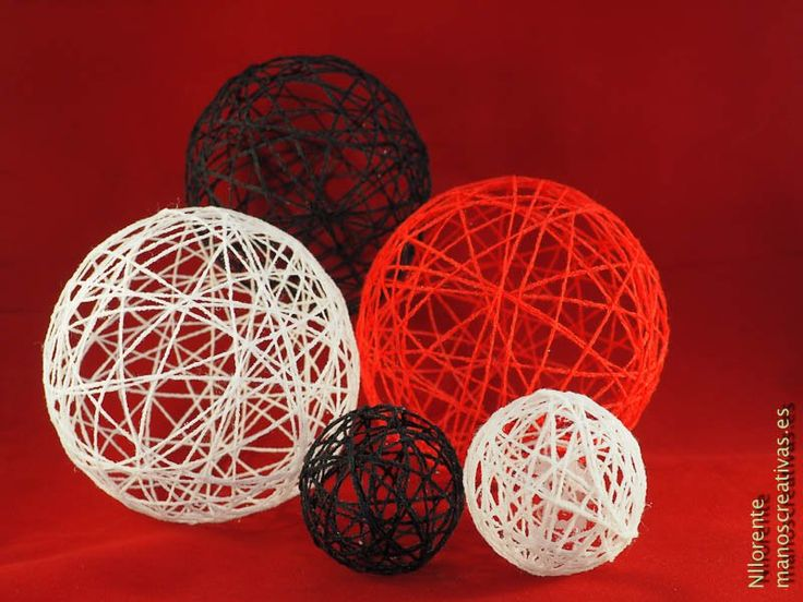 En este post os cuento cómo hacer bolas de lana para decorar que es una manera fácil, sencilla y económica de decorar una fiesta