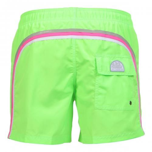 FLUO GREEN MID-LENGTH SWIM SHORTS WITH ELASTIC WAIST AND RAINBOW BANDS Fluo green mid-lenght Boardshorts with the three classic rainbow bands on the back. Elastic waistband with adjustable drawstring. Internal mesh. Two front pockets. A Velcro back pocket. Sundek logo on the back. COMPOSITION: 100% POLYESTER.