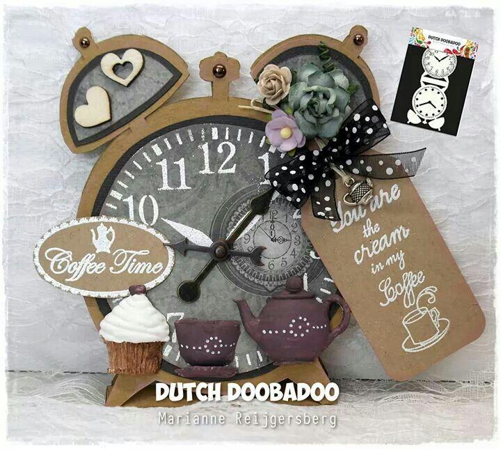 Dutch Doobadoo Card Art Clock door Marianne