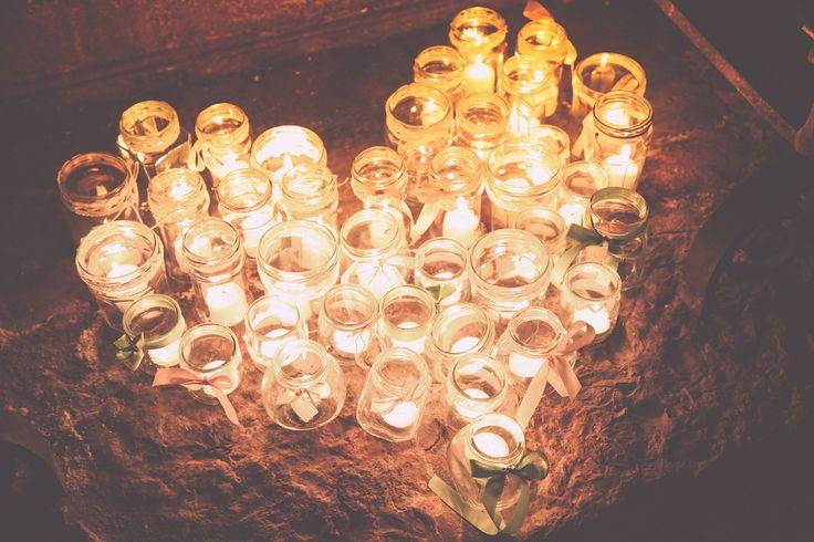 Coeur de bougies au sol