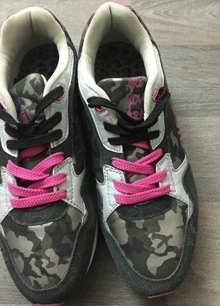 À vendre sur #vintedfrance ! http://www.vinted.fr/chaussures-femmes/baskets/29400942-diesel-40