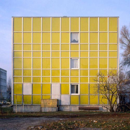 Yellow emalite housing estate, Warsaw, Poland, 2005. © Nicolas Grospierre