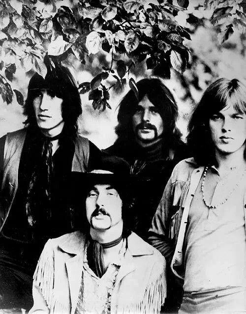 Pink Floyd : Roger Waters, Nick Mason, Richard Wright, David Gilmour