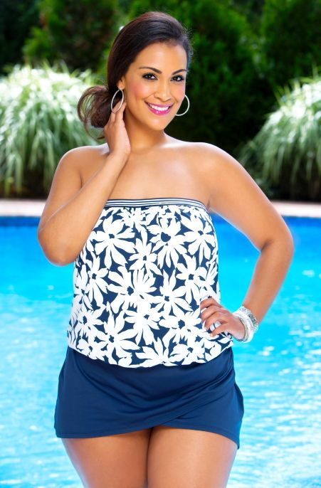 A summer of fun begins with this Anne Cole Separates Daisy Blouson Bandeau Plus Size Tankini Top #14203.  This comfortable and carefree wire-free bandeau tankini has abanded hem and elastic neckline