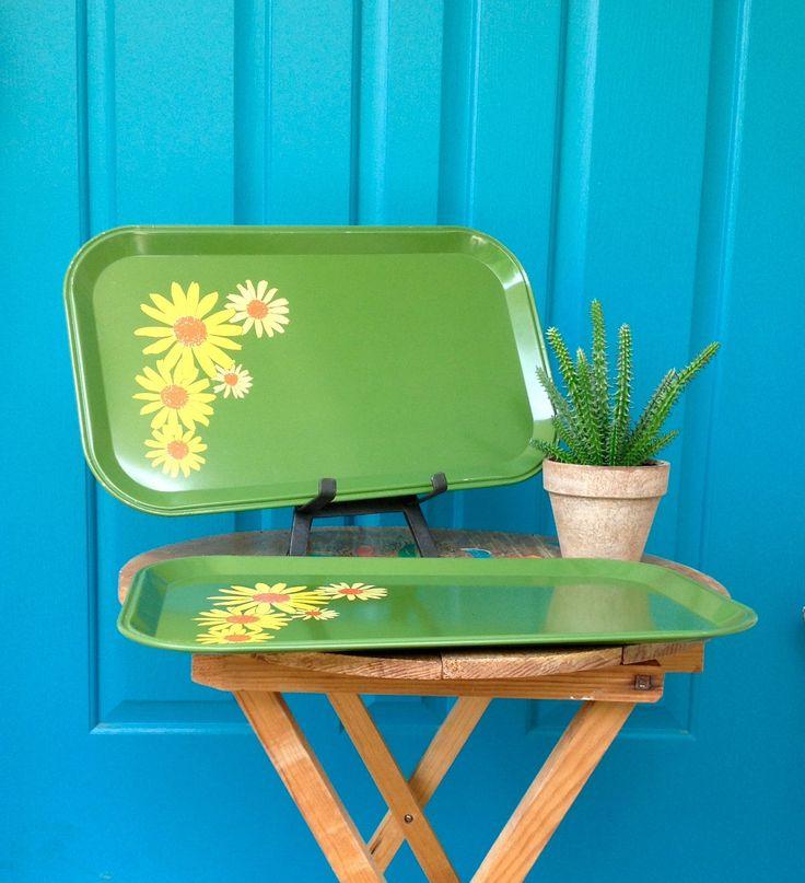 Vintage Set Of 2 Groovy Metal Daisy Trays Rectangle Green Trays With Yellow  Daisies Bohemian Retro Hippie Kitchen Decor