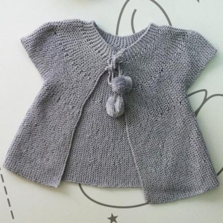 Chaqueta perlé gris  pompones