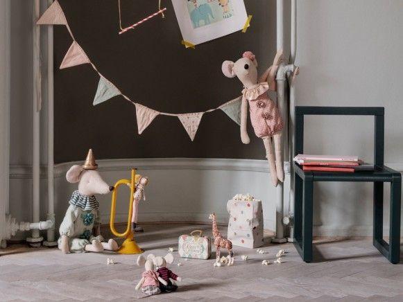 Maileg Maxi Maus Zirkus Madchen Maus Zirkus Puppenbett