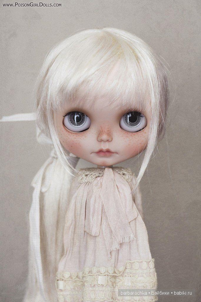 Девочки, я давно мечтаю поселить у себя такую куколку. Единственную-неповторимую. Кастомную авторскую Блайз. Каждая из них, как и их хозяйки,