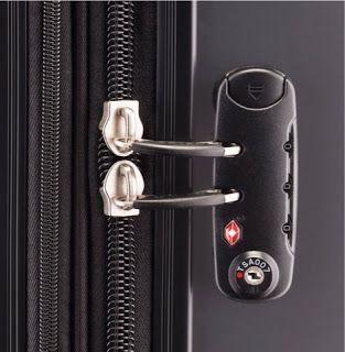 Apakah Penting Memiliki Aksesoris Perjalanan Seperti Kunci TSA,Kantong,Bantal Leher, Adaptor?