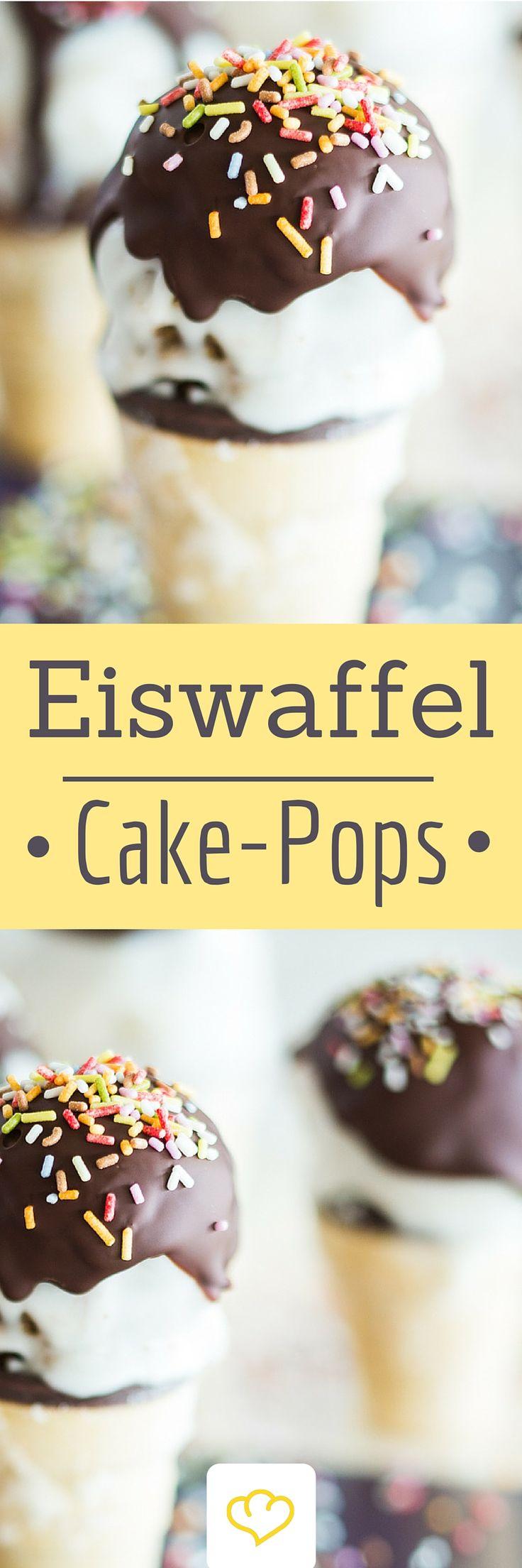 Eiswaffeln mit Cakepops - Was in der Waffel aussieht wie ein kühles Eis, ist in Wirklichkeit eine fluffige Kuchenkugel mit zartem Schokoladenüberzug!