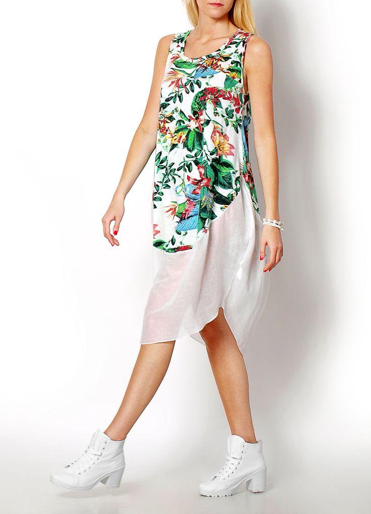 Sukienka z łączonych materiałów, dekolt okrągły, fason bez rękawów. Zwiewny model w kolorowe kwiaty.  Modelka: wzrost 175 cm, na co dzień nosi S/M, rozmiar z prezentacji produktu S/M.
