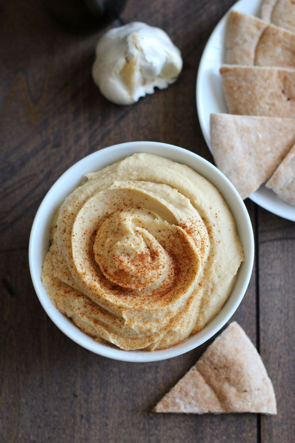 Easy Hummus Without Tahini. Smooth, Creamy Hummus Ready In Just 5 Minutes. | hintofjoes.com #hummus