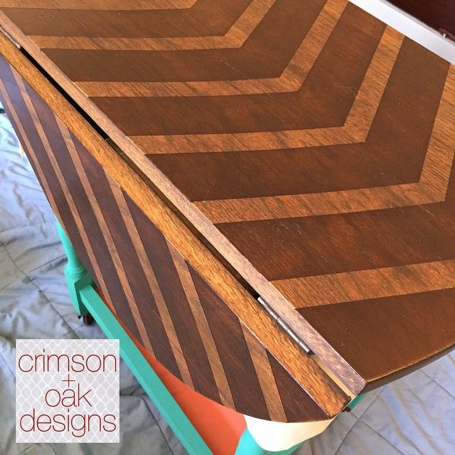 A better look at this gorgeous #chevron striped top made possible by #generalfinishes #gelstain in Java and Mahogany! Seriously in love! #crimsonandoakdesigns