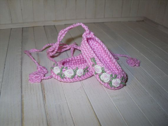 Crochet and embroidered shoes for Dianna Effner Little Darling 13 inches doll