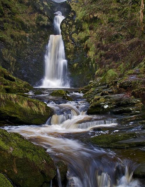 lexislex:    Pistyll Rhaeadr Waterfall (by Jeff Dalton)  The Pistyll Rhaeadr waterfall just outside Llanrhaeadr Ym Mochnant in North Wales