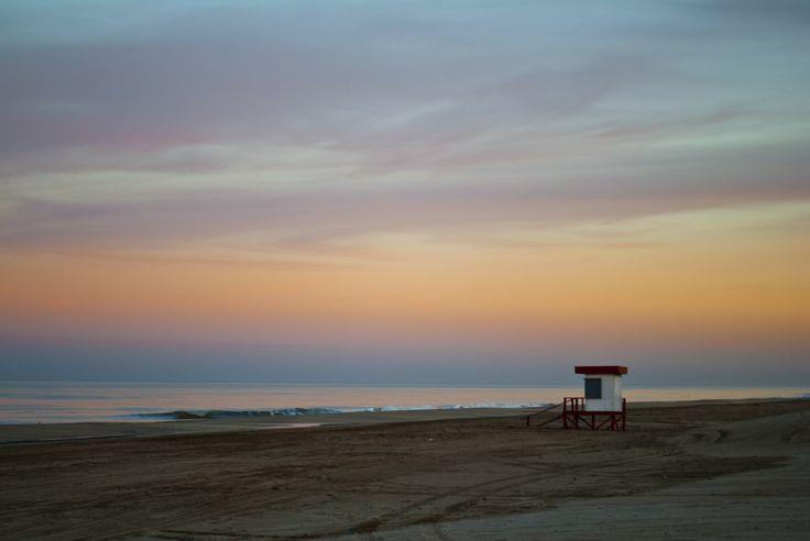 Atardecer en la playa de Costa Carilo