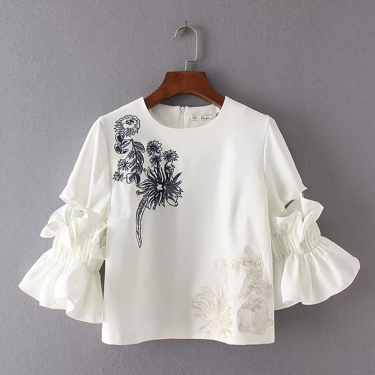 New 2017 Women Fashion Summer Blusa Floral Embroidery Bodysuit O Neck Back Opening with Zipper Fastening Blouse