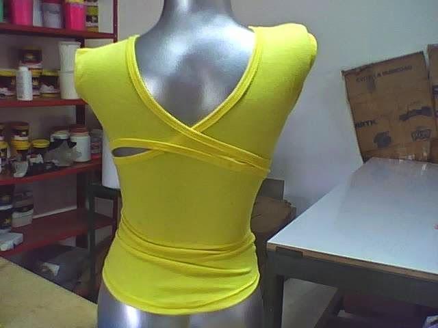 moda de blusa cruzada