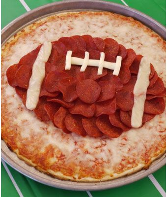 Super Bowl #Party Food Ideas - #Football Pizza!