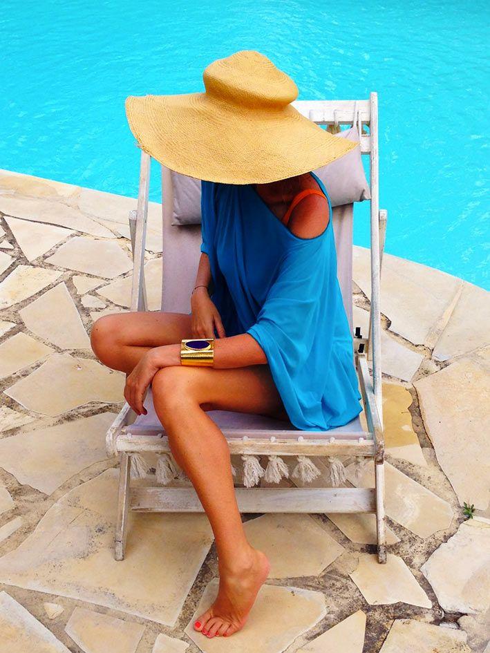 Alessia Marcuzzi http://www.lapinella.com/2013/07/12/costume-intero-ecco-perche/  #muryx #muryxswimwear #mangoisland #swimsuit #aldabra #mediumkaftan  #purplebracelet #paradise #bay6
