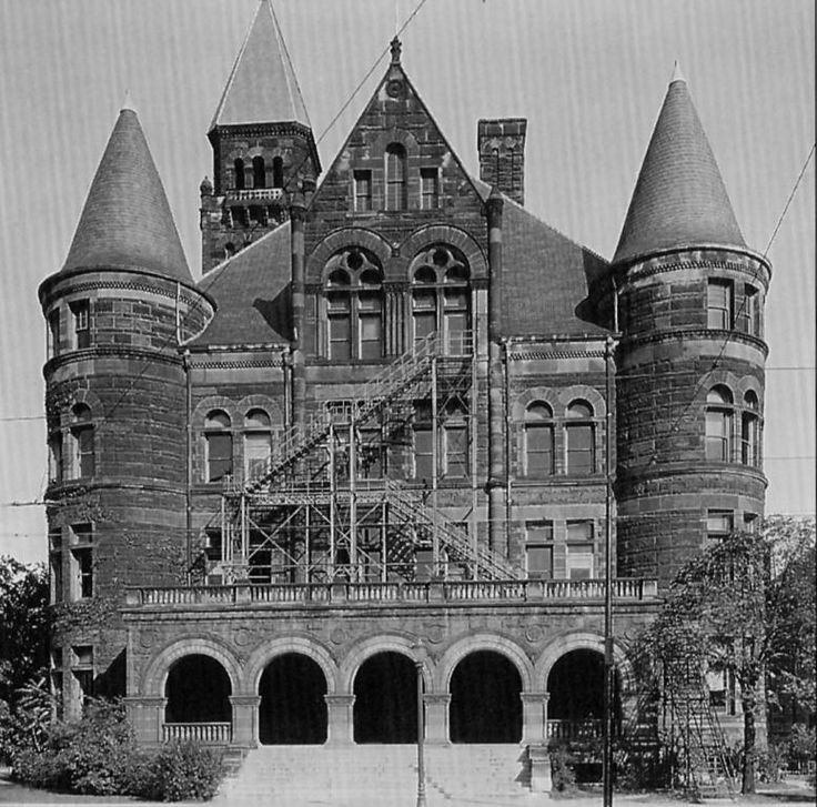 Steele High School in Dayton, Ohio in 1899. It was on Monument Street, overlooking the Great Miami River.
