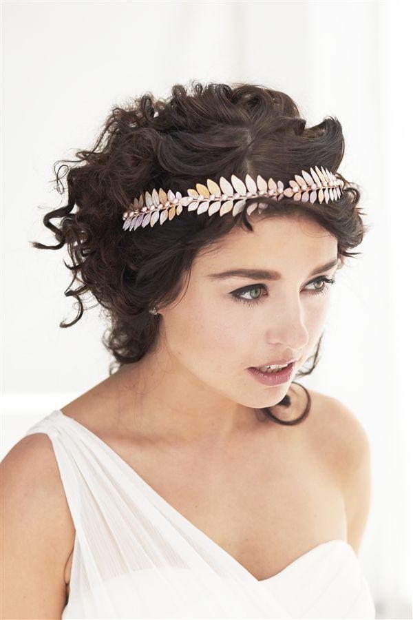 aphrodite goddess crown hair