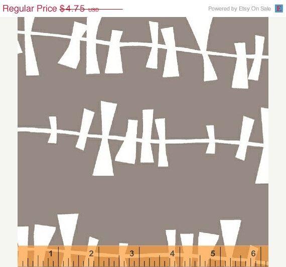 SALE Glimma Drake Flannel Grey  1/2 Yard por uberstitch en Etsy, $4,04