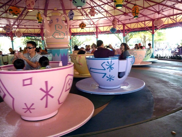Mad tea party is a spinning tea cup ride at all five disneyland mad tea party is a spinning tea cup ride at all five disneyland style theme parks around the world the ride theme is inspired by the unbirthday pa fandeluxe Epub