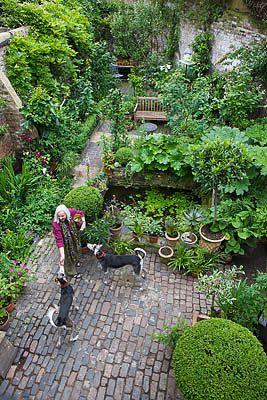 Artists London home and garden: Brick Path, Garden Ideas, Garden Design, Home And Garden, Artists Small, Brick Patio, Backyard, Small Gardens