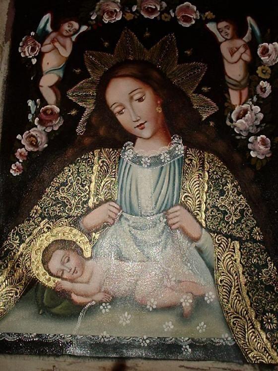 Preciosa Virgen, ambiente de la hora de dormir, la Virgen con el pelo suelto poniendo a Jesus a dormir, acompañada de dos angeles que velan su sueño.