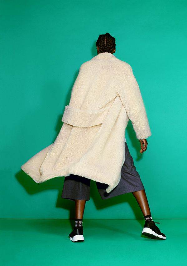 The prize pony of Monki's 10 year B-day collection, this faux shearling kimono coat is a wildly awesome piece that represents so much of Monki's daring-meets-playful approach to fashion.