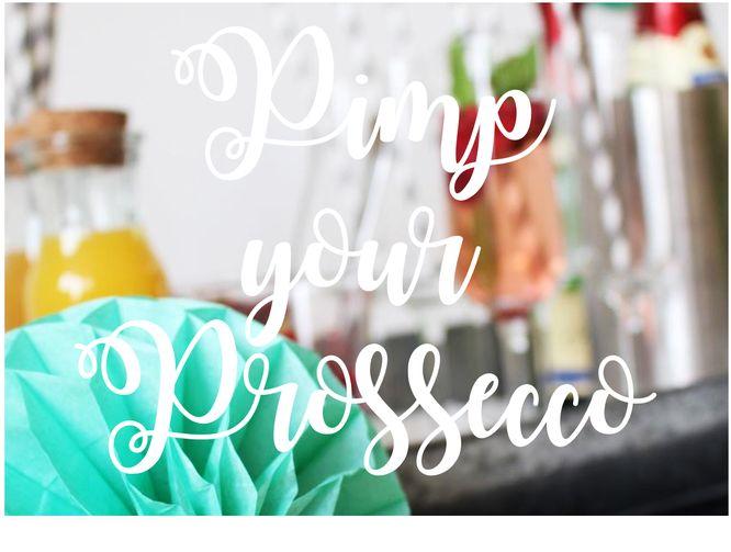 Sekt mal anders: Mit dieser Pimp-My-Sekt-Bar mixen sich Deine Gäste ganz schnell leckere Sekt-Varianten aus Sekt, Säften, Früchten und Co.  So geht's!