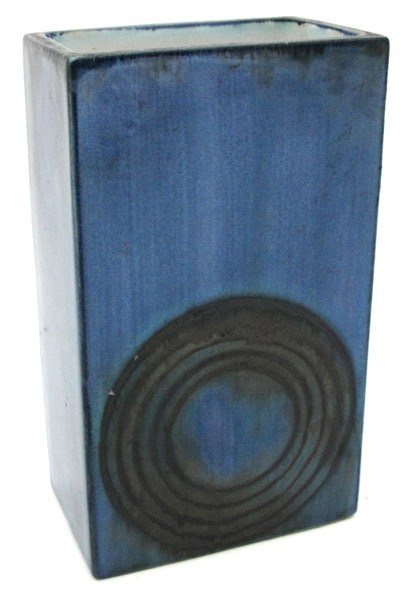 An early Troika St Ives rectangular vase #troika #ukauctioneers