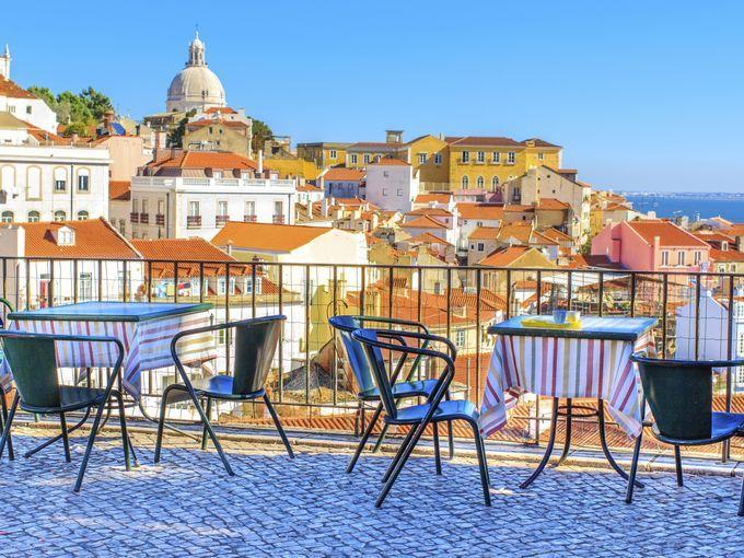 Le Portugal a remboursé avant terme 6,6 milliards d'euros au Fonds monétaire international (FMI), soit 22% des prêts accordés depuis 2011 dans le cadre du plan de sauvetage, a annoncé jeudi l'agence portugaise de la dette.         Au total, le pays ...
