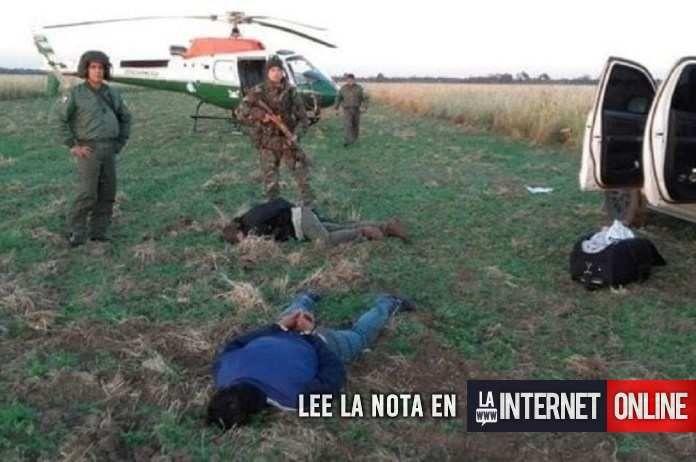 Cerca de una tonelada y media de cocaína que había sido arrojada desde una avioneta fue secuestrada y dos personas de nacionalidad paraguaya fueron detenidas hoy en un establecimiento rural del departamento de Copo, en el norte santiagueño, informaron hoy fuentes judiciales.   #policiales #ultimo momento