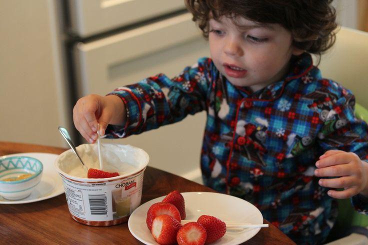 Frozen yogurt covered strawberries to make with the kiddo