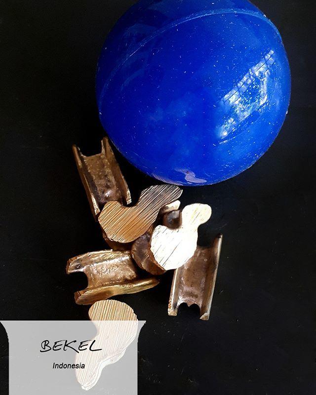 #FaktaCepatCOLORtorial: Siapa bilang bola bekel cuma mainan perempuan? Mengumpulkan 10 kepingan yang tersebar dalam satu pantulan bola itu tantangan bagi semua orang!  #EMCOLUX #COLORtorial #catkayubesi #warna #ngecat #surabaya #jakarta #depok #tangerang #bogor #bekasi #bandung #bali #banyuwangi #denpasar #jember #jogja #semarang #solo #kediri #mataram #nusatenggara #lombok #purwokerto #padang #makassar #cirebon #kupang #malang @indonesianrepost @indonesia_kaya @indotravellers…