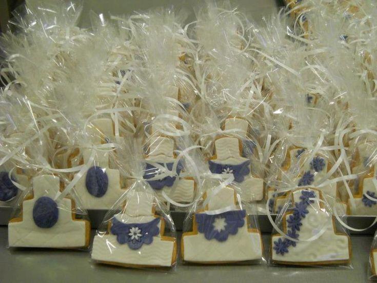 Biscotti decorati a mano come #segnaposto di #matrimonio. Questi sono stati realizzati da Le Rose Café, Arezzo.