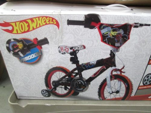 New Hot Wheels Boy's 16 inch Bike Black Red Orange Turbo Revvin' Grip | eBay