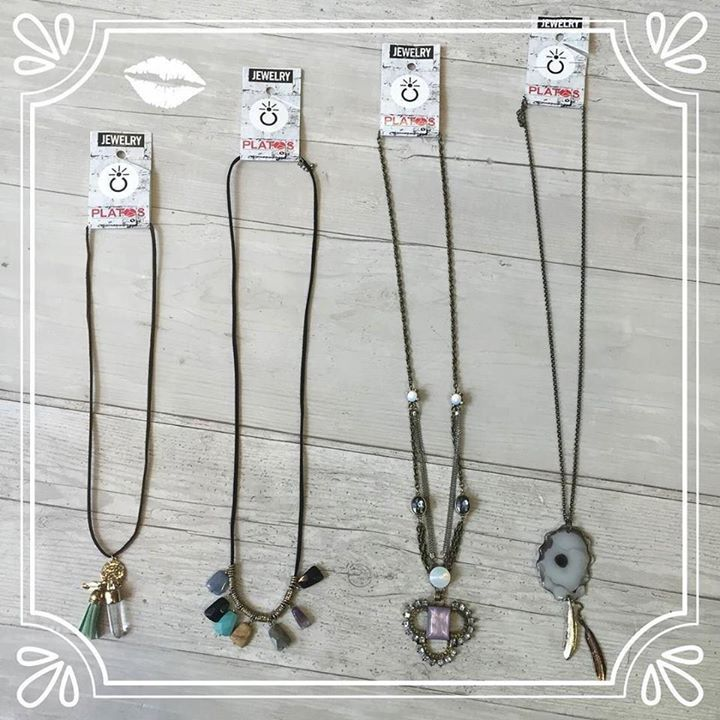 Pendants are the IN trend for necklaces this fall season  Layer them for a simple but stylish look! & why pay $15 or more when your Lincoln Park location has them for under $6!  #pendants#necklace#necklaces#drop#layer#layerthem#fashion#like#follow#likes#followourpage#style#look#simple#simplistic#stylish#practical#jewelry#stones#jems#platosclosetchitown#platosclosetlincolnpark#instadaily#instacool#instagood#instagram#platoscloset#instapic#picoftheday http://ift.tt/2dSWV4X…