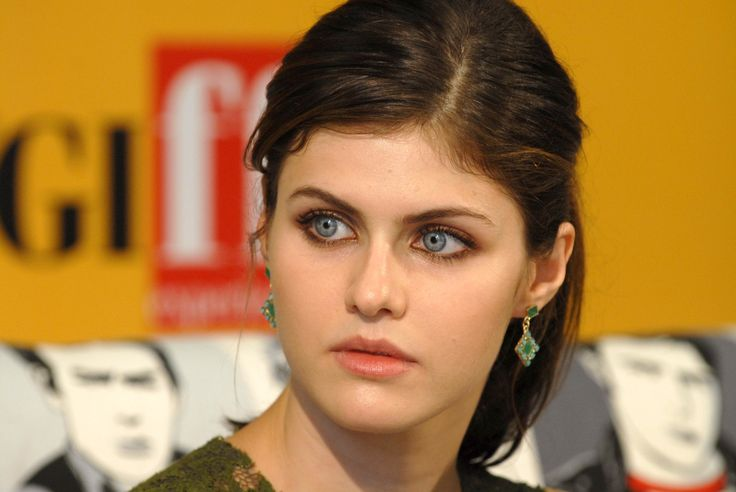 Celebrity Alexandra Daddario  Wallpaper