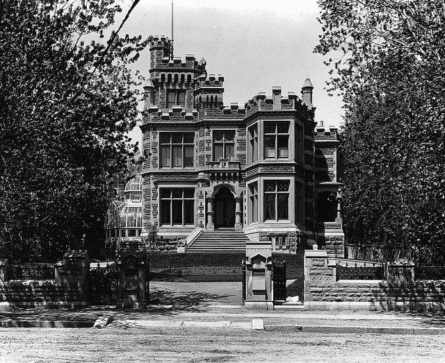 """Montréal 1885. """"Rokeby"""", rés. A.F.Gault, rue Sherbrooke, angle rue de la Montagne."""