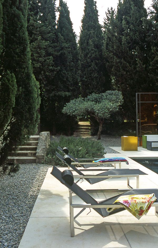 French Style Courtyard | Modern Outdoors
