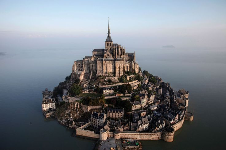 12 Stunning Places You Must Visit On A Road Trip In France (9)