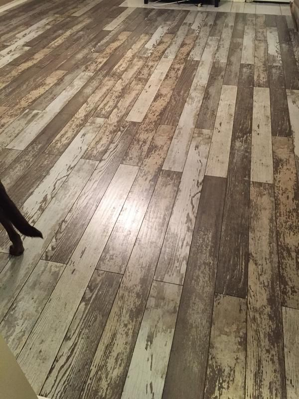 New Bull Barn Oak Is A Laminate With A Unique Weathered