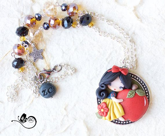 necklace with snow white in polymer clay, totally handmade without molds. doll measures about 1.58 cm, chain 19.7 in. thank you for visit! =) su