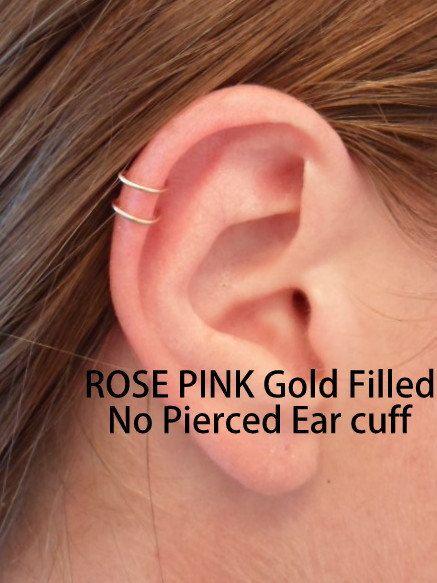 Ear cuff (bague d'oreille) double anneau, oreille, Cartilage, en fil or rose 14k. Faux perçage. Oreilles non-percées.